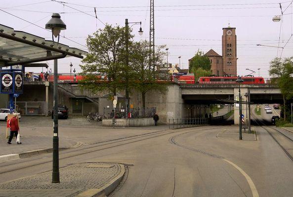 Mehr Stadt-, als Bahnbild [Bahnraum Augsburg]