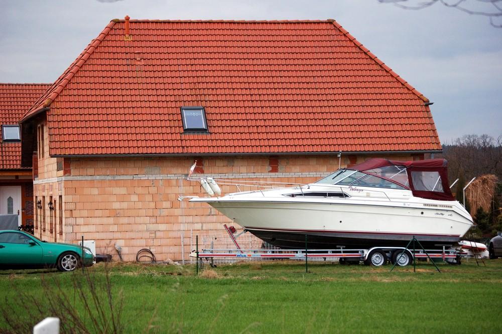 """"""".....mein Auto,mein Haus,mein Boot"""""""