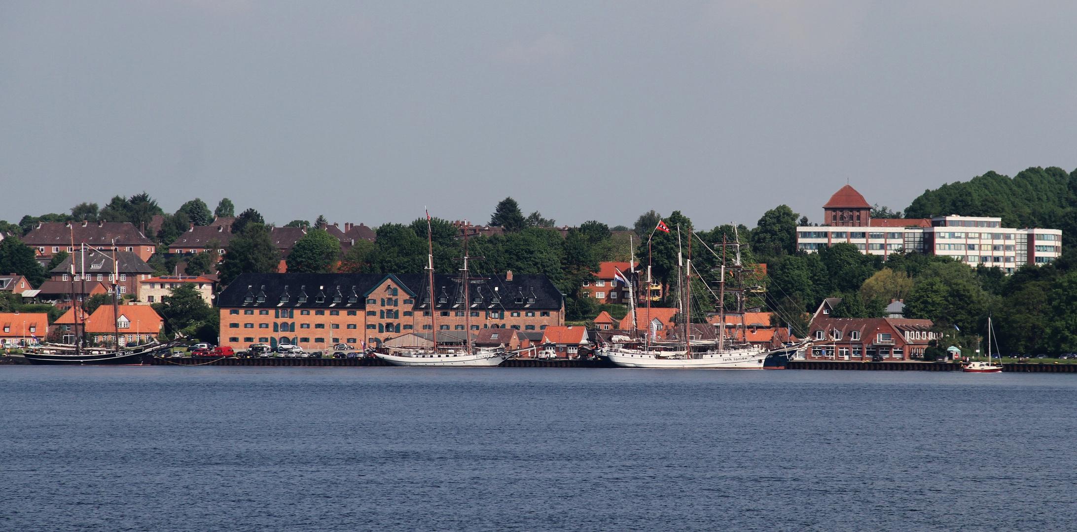 Mein Blick von der Freya ... auf Kiel Holtenau !