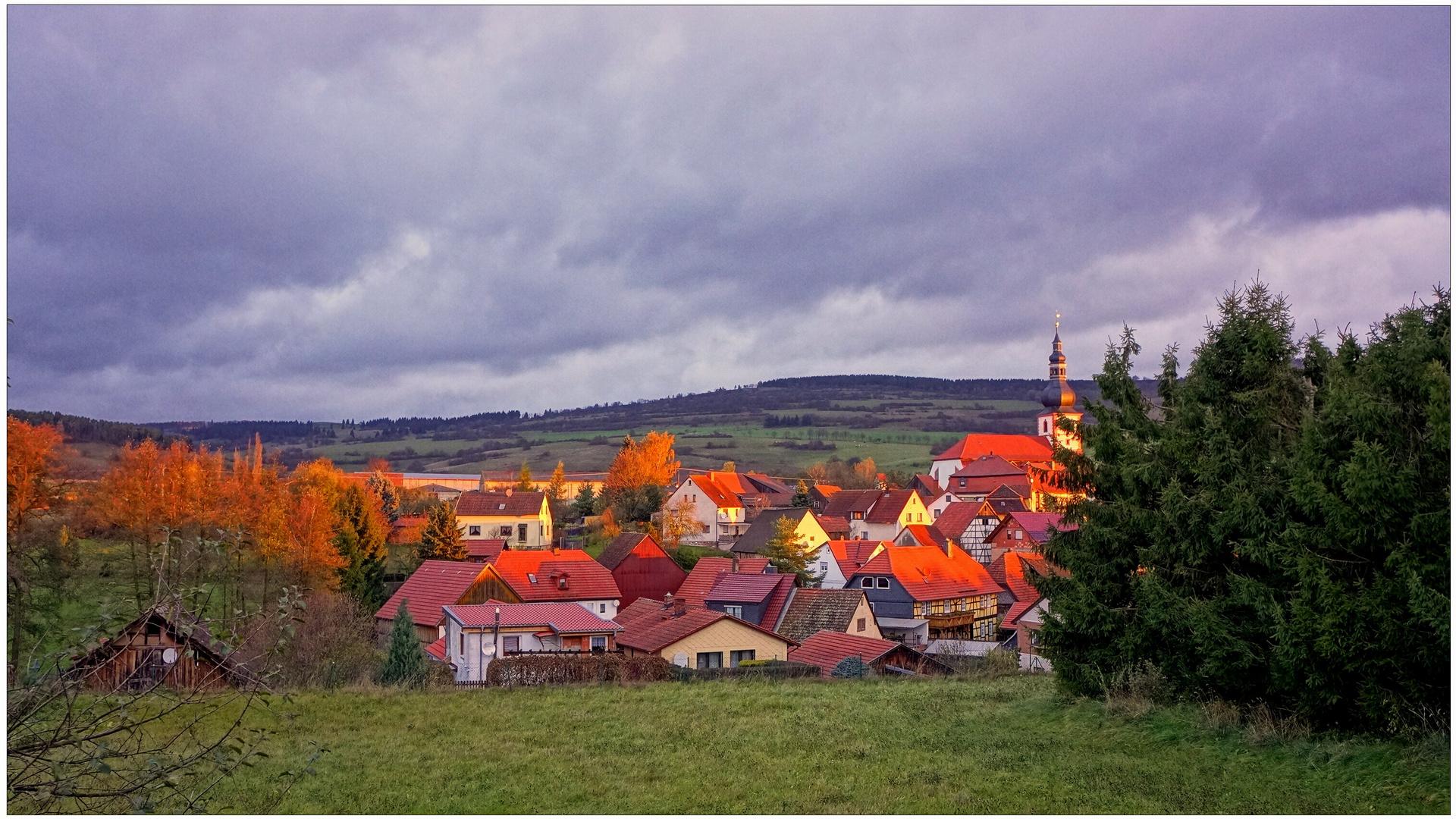 mein Dorf in der Morgensonne (mi pueblo en el sol matinal)