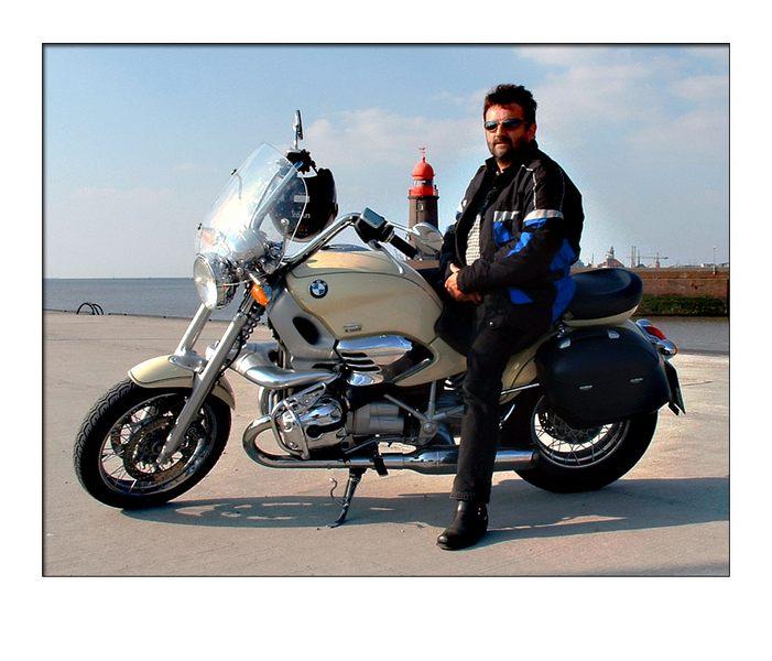 Mein Freund mit seiner BMW