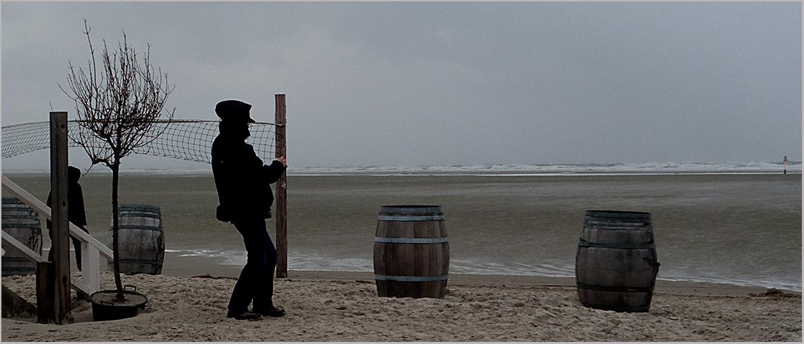 Mein Freund...mit dem Winde im schwachen Rücken...beim Fässer-Shooting...
