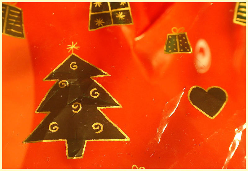 ...mein geschenkpapier zu weihnachten...