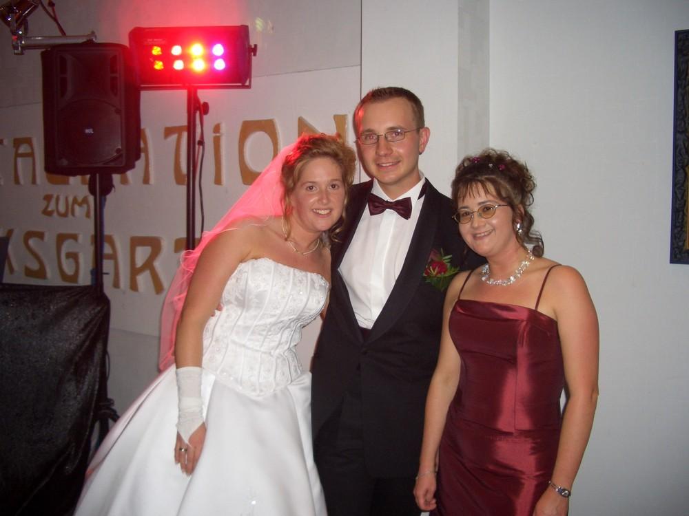 Mein Mann, meine Schwester und ich auf unserer Hochzeit