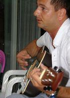 Mein Onkel spiel Gitarre