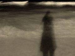 Mein Schatten im nächtlichen Meer