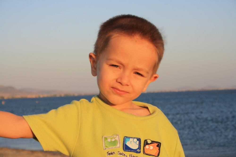 Mein Sohn in Ayvalik, Türkei