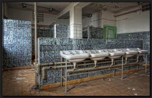 ...mein Waschplatz neben mir ist leer...