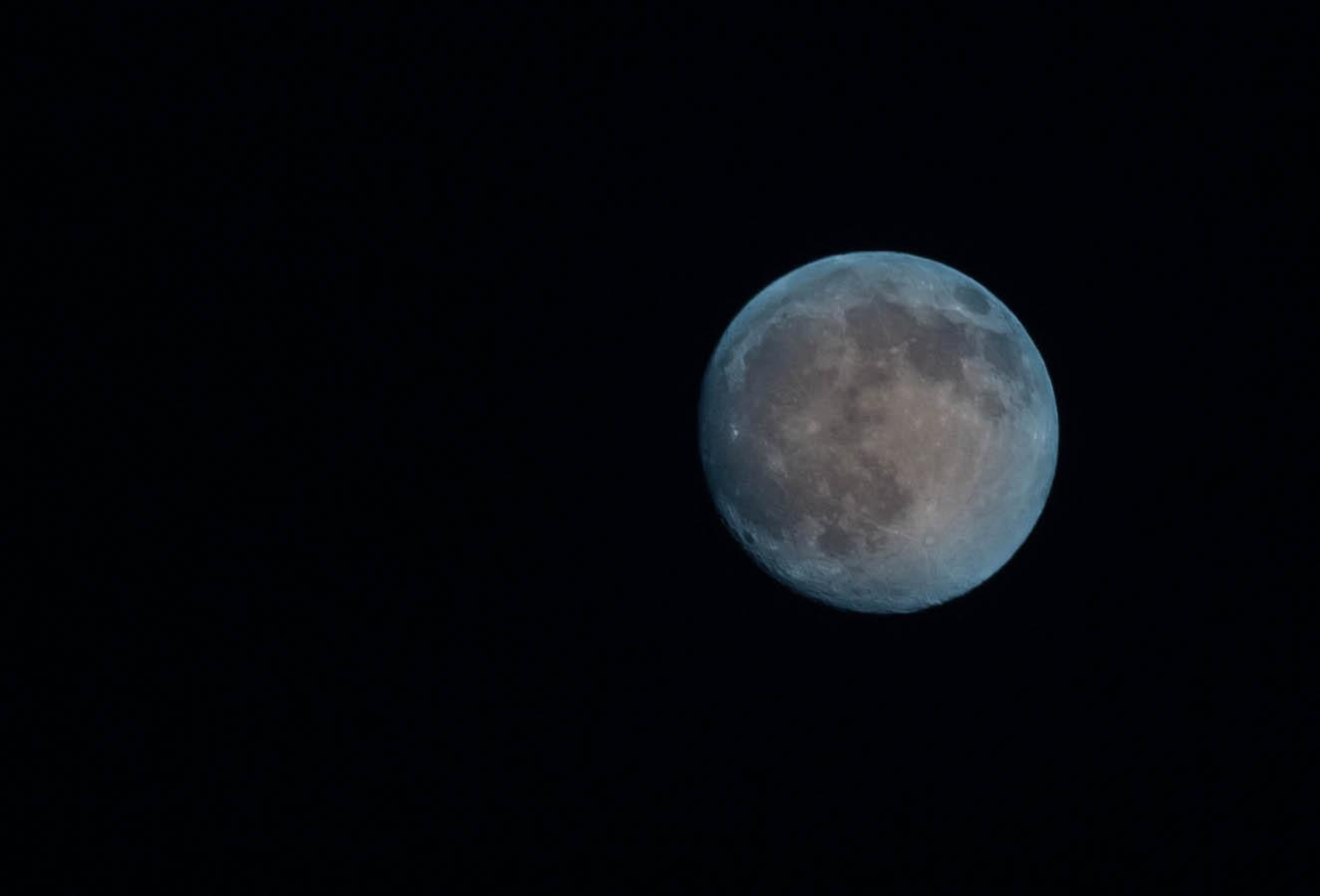Meine erste Aufnahme vom Mond