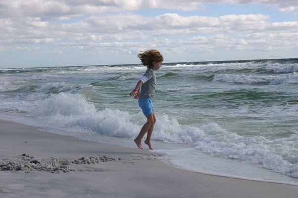 Meine kleine Schwester - da war die Welle dann wohl doch ein wenig erschreckend ;-)