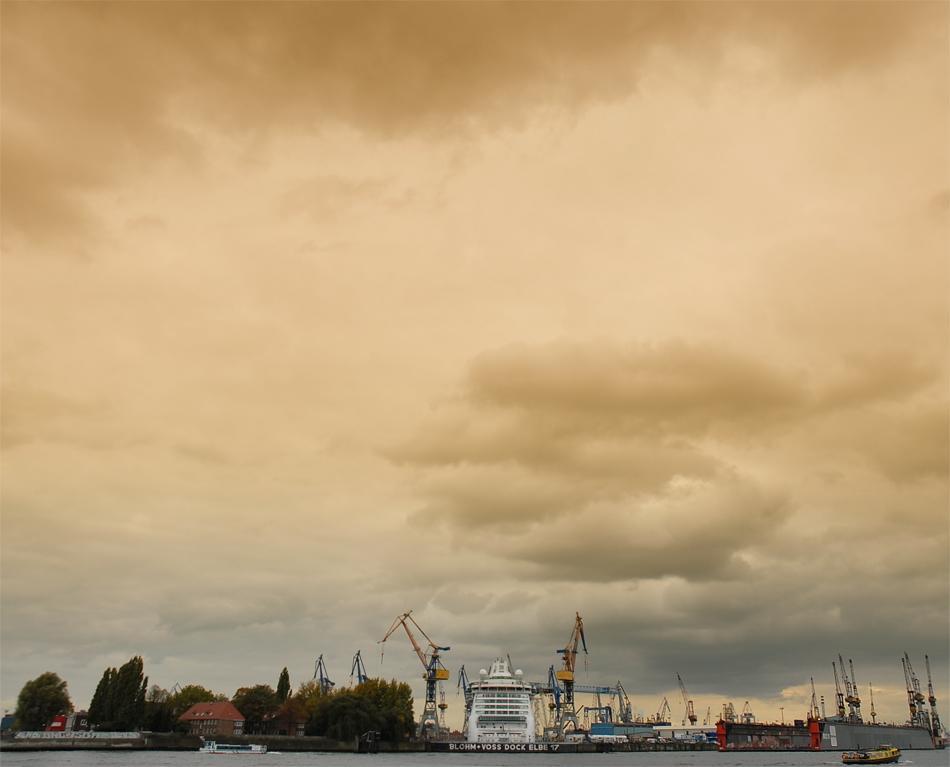 ... meine kleine weiße Jolle aus Papenburg