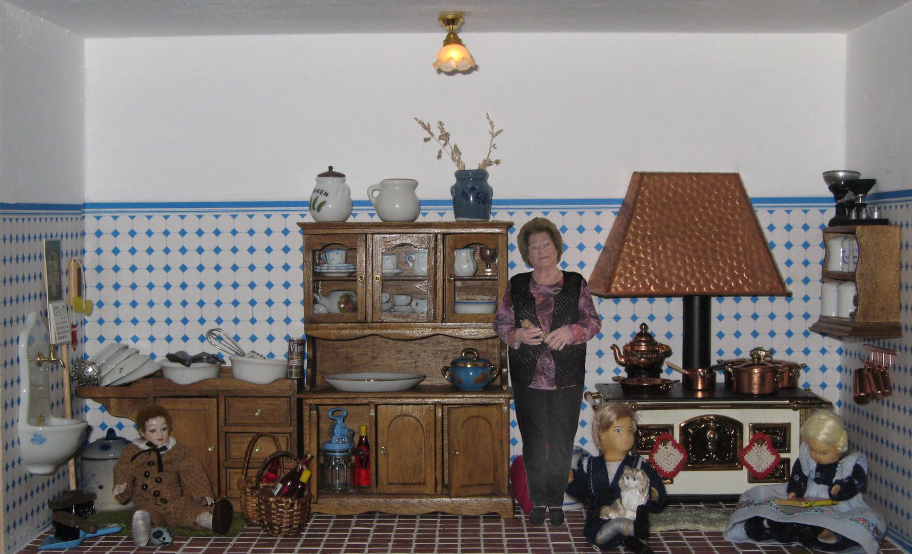 Meine Nachbarin, Pia Klinger in ihrer Puppenstube
