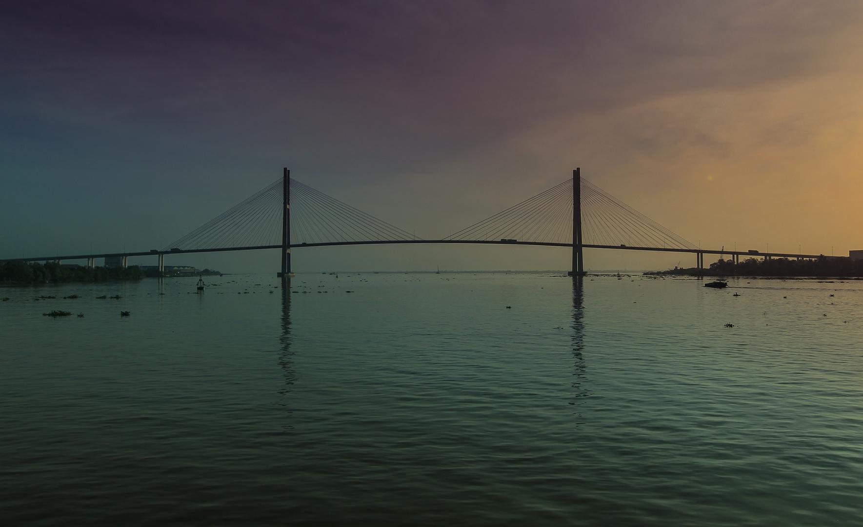 Mekong, Brücke im Sonnenaufgang