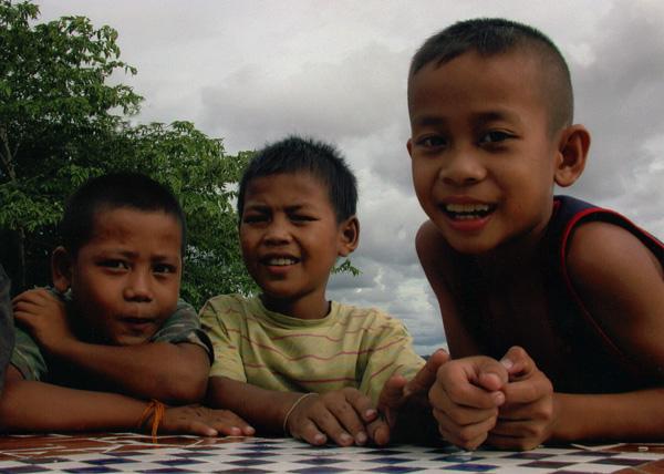 Mékong kinder in Vientiane