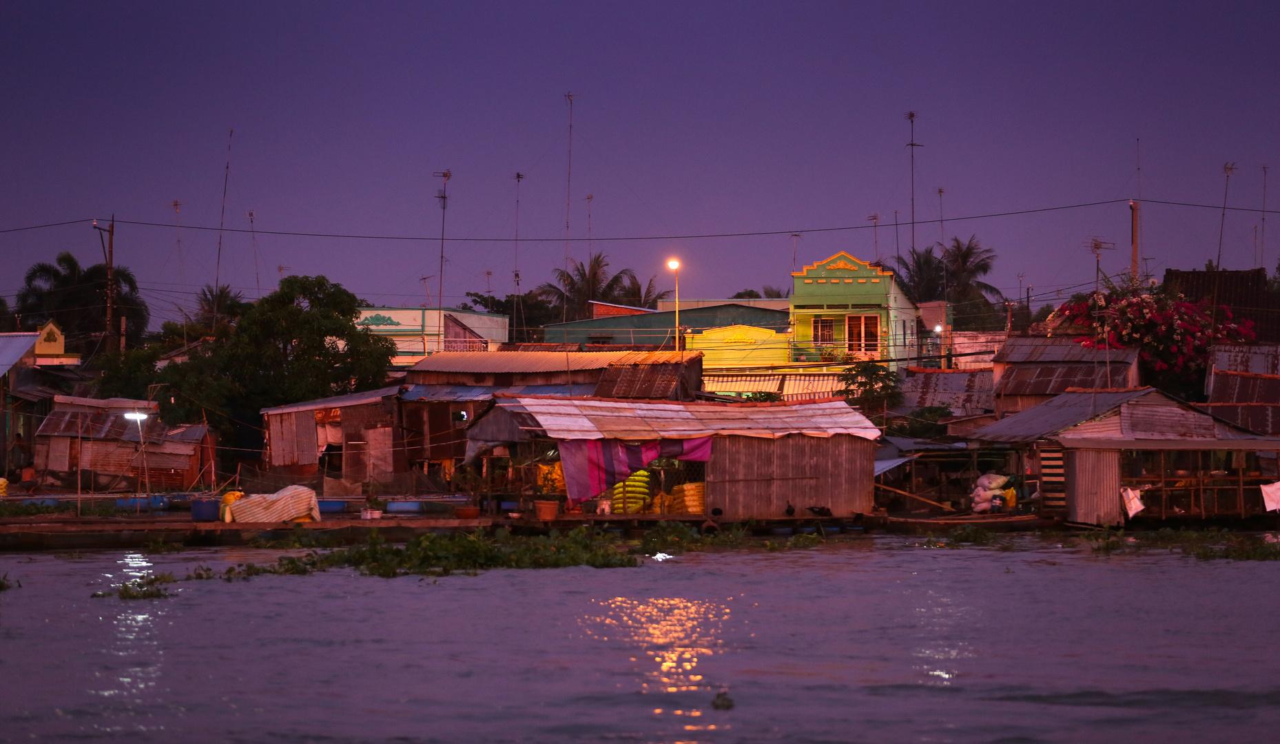 Mekong Sa Dec abends