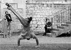 mélange danse théatrale acrobatique
