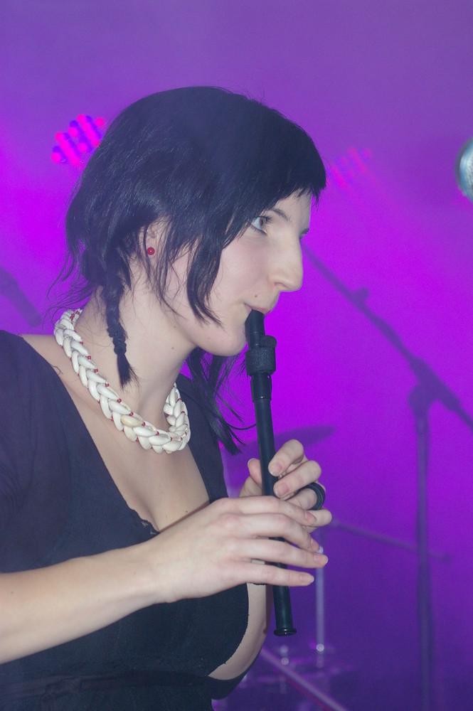 Melina, Flöstin bei den Drunken Saints