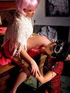 Melle Yang et Chloée la Poupée - 01