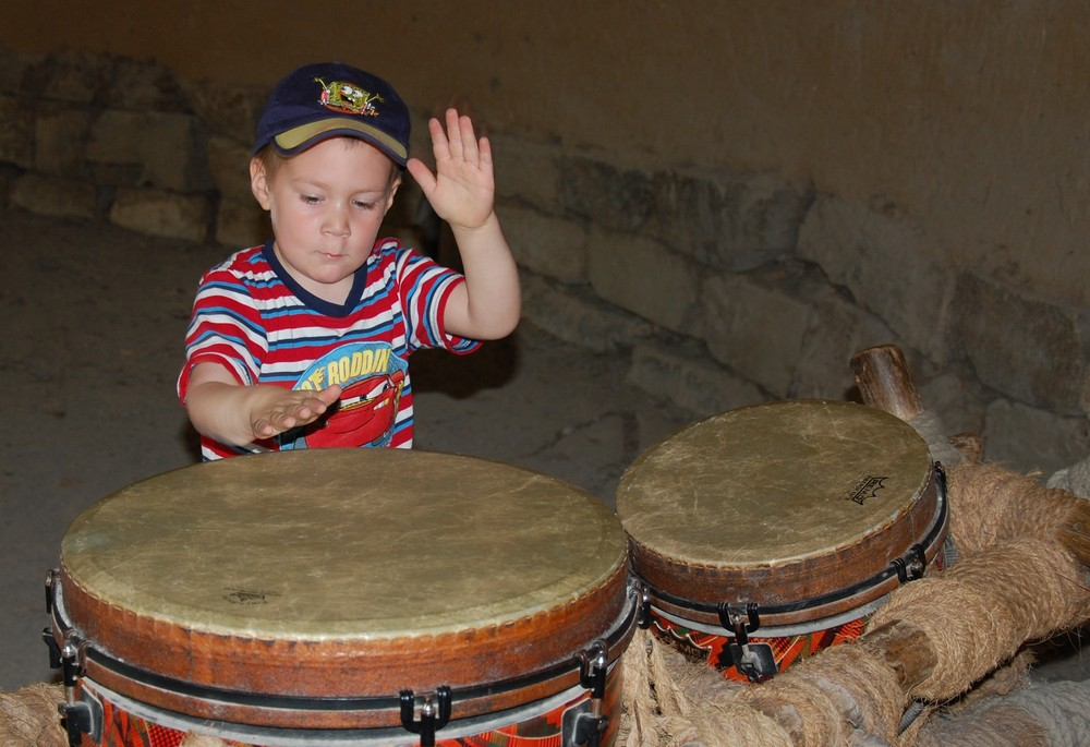 Melvin an den Drums im Zoo Hannover