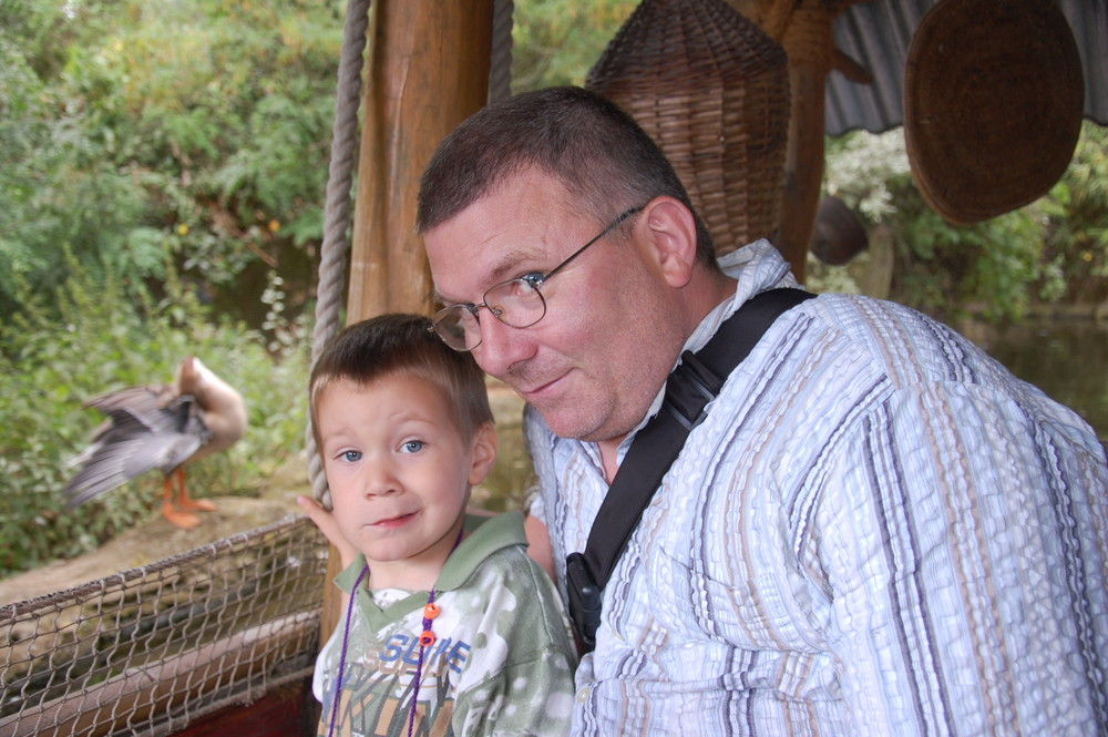 Melvin und Opa Andreas im Zoo