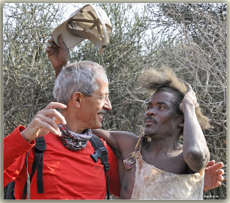 MEMORIAS DE AFRICA-CUANDO EL SALVAJE (con perdon) LE DIO UNA LECCION A BLANCO CULTO -LOS HADZABES