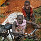 MEMORIAS DE AFRICA-DOS NIÑOS -UGANDA
