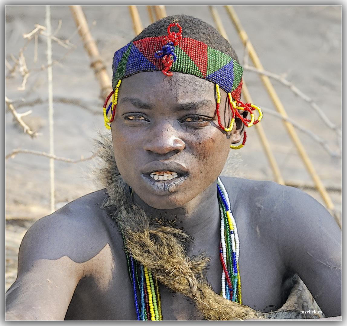 MEMORIAS DE AFRICA -EL CAZADOR- EYASY TANZANIA