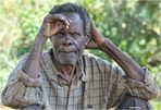 MEMORIAS DE AFRICA-EL HOMBRE DE LA MIRADA PERDIDA-KALAGALA-UGANDA