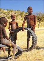 MEMORIAS DE AFRICA-EL JUGUETE-LOS HIMBAS-NAMIBIA