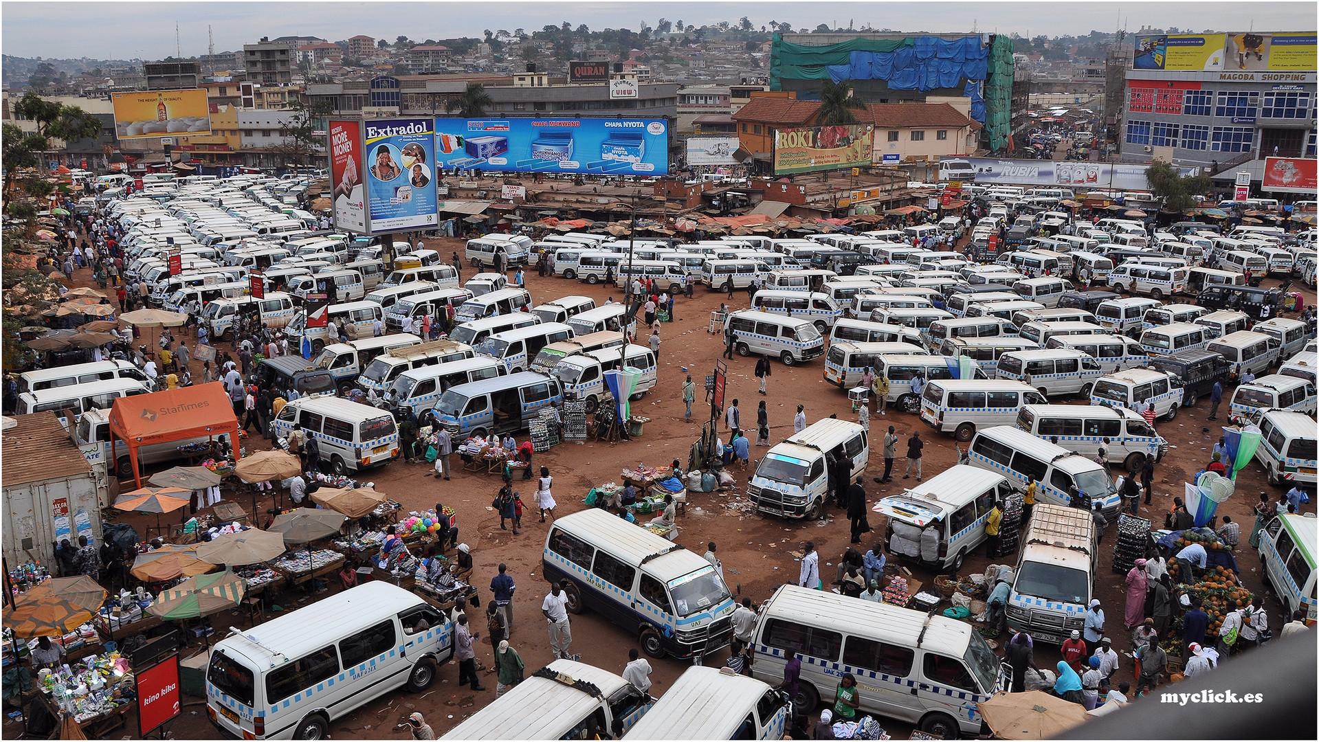 MEMORIAS DE AFRICA -ESTACION CENTRAL-KAMPALA-Aqui llego el Ebola -UGANDA