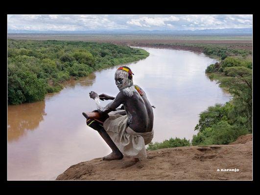 MEMORIAS DE AFRICA-HOMBRE KARO ETIOPIA