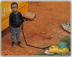 MEMORIAS DE AFRICA-JUGUETE AFRICANO -UGANDA