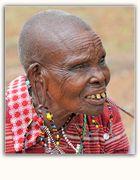 MEMORIAS DE AFRICA-LA ABUELA MASAI -ENTRADA NORTE DE MASAI-MARA -KENIA
