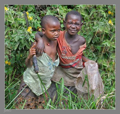 MEMORIAS DE AFRICA-NIÑOS CAMPESINOS-UGANDA (Dedicada a Angie j.j)