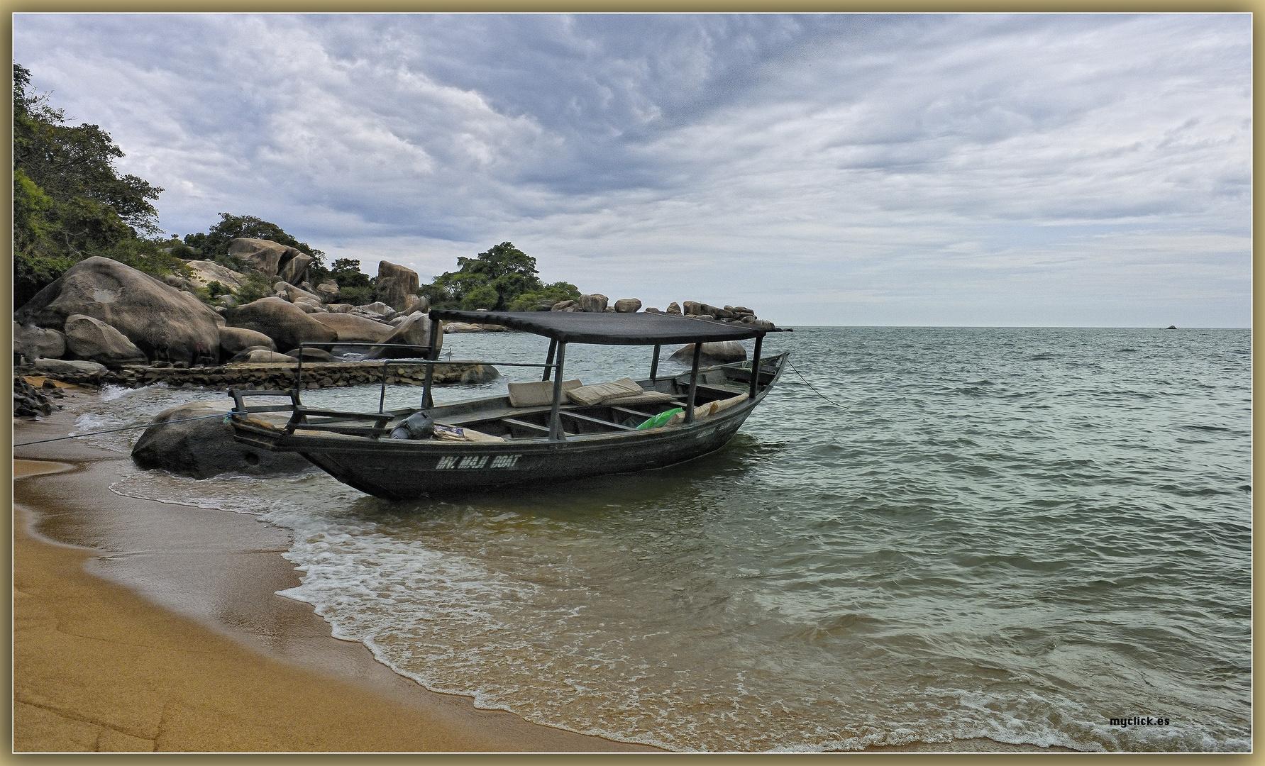 MEMORIAS DE AFRICA-UNA MAÑANA EN LUKUBA-TANZANIA