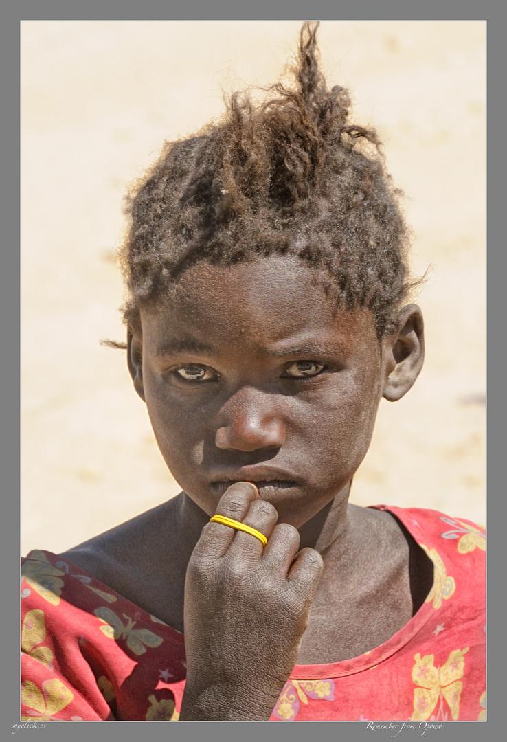 MEMORIAS DE AFRICA -UNA NIÑA DE OPOWO-NAMIBIA