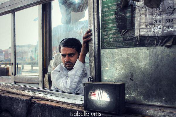 Men at work - Casello autostradale in India