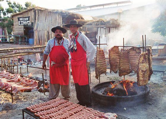 Mendoza / Argentinien beim ASADO / grillen