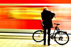 Mensch , Bahn und Bike