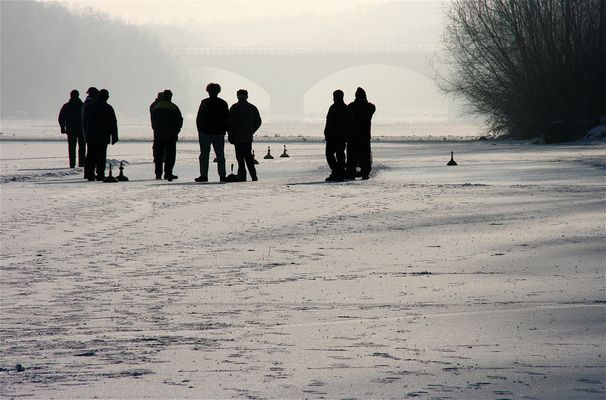 Menschen am Eis