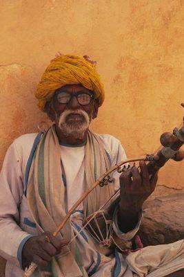 Menschen aus Indien - Strassenmusikant