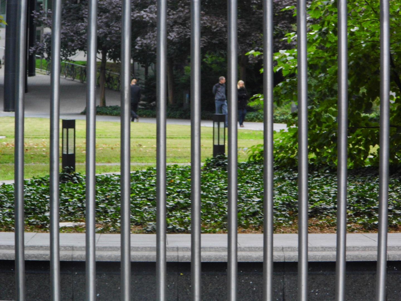 Menschen hinter Gittern