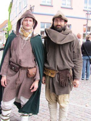 Menschen im mittelalterlichen Zeitepochen
