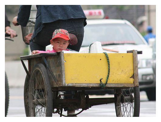 Menschen in den Strassen von Shanghai IV