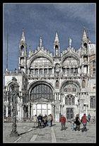 Menschen vor San Marco