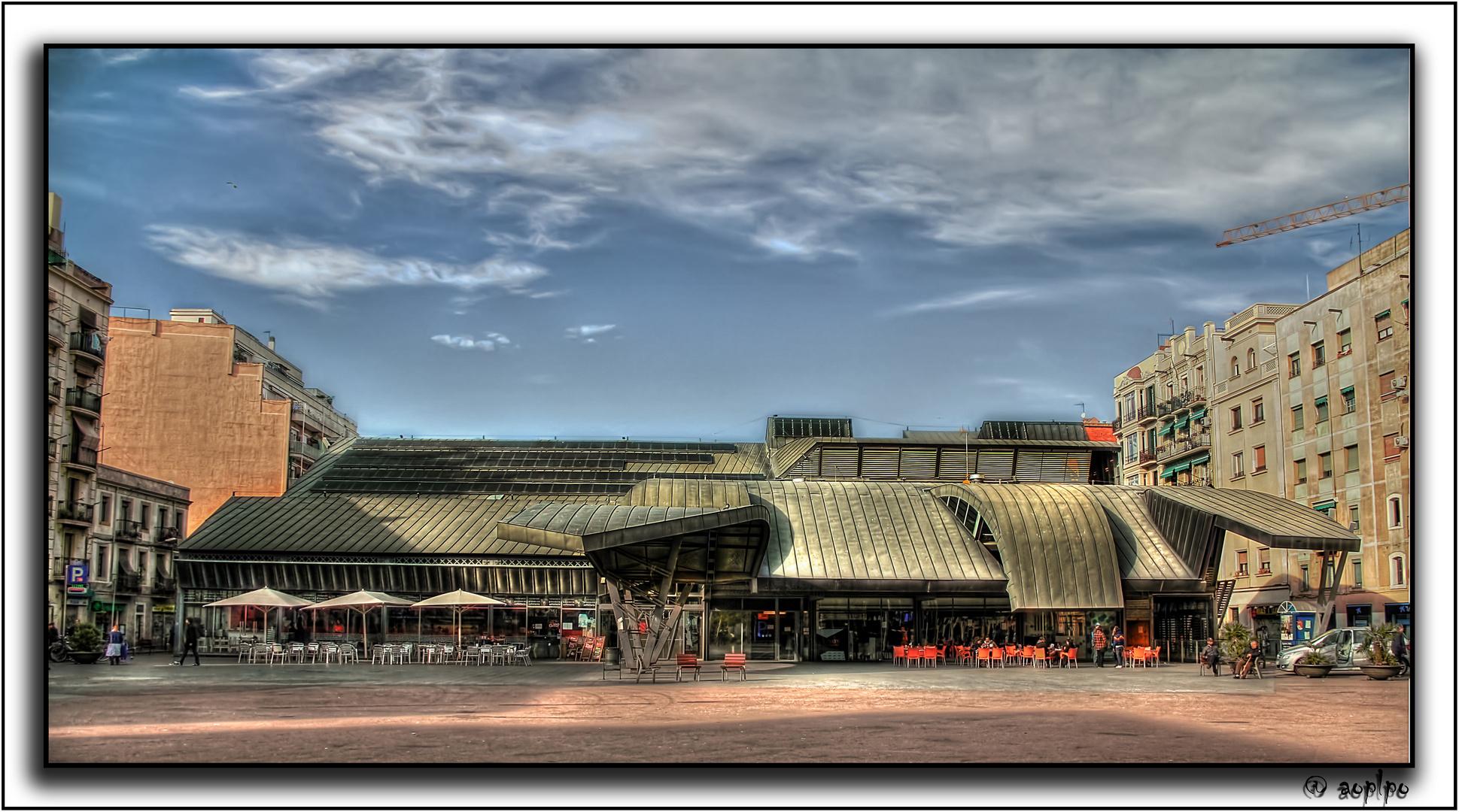 Mercado de la Barceloneta, en la plaza del mismo nombre (Barcelona)