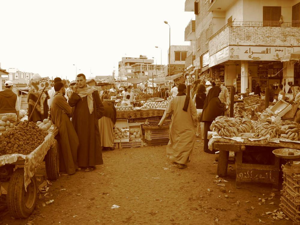 mercato della frutta a hurghada...altri tempi