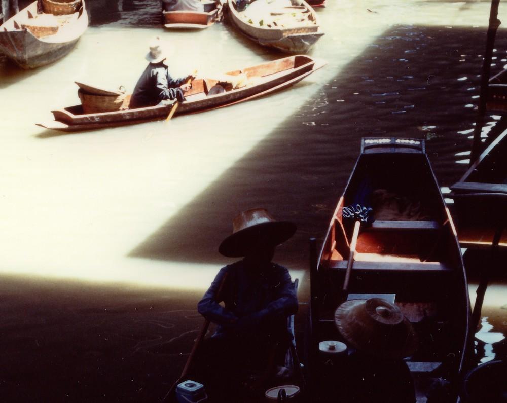 mercato galleggiante particolare