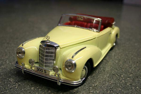 Mercedes 300 S....