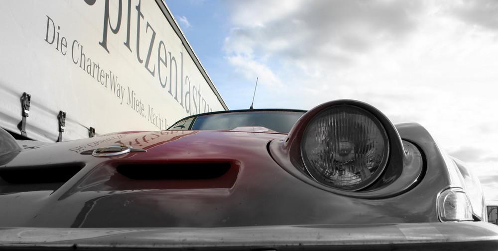 Mercedes ACTROS 1844 meets Opel GT (3)
